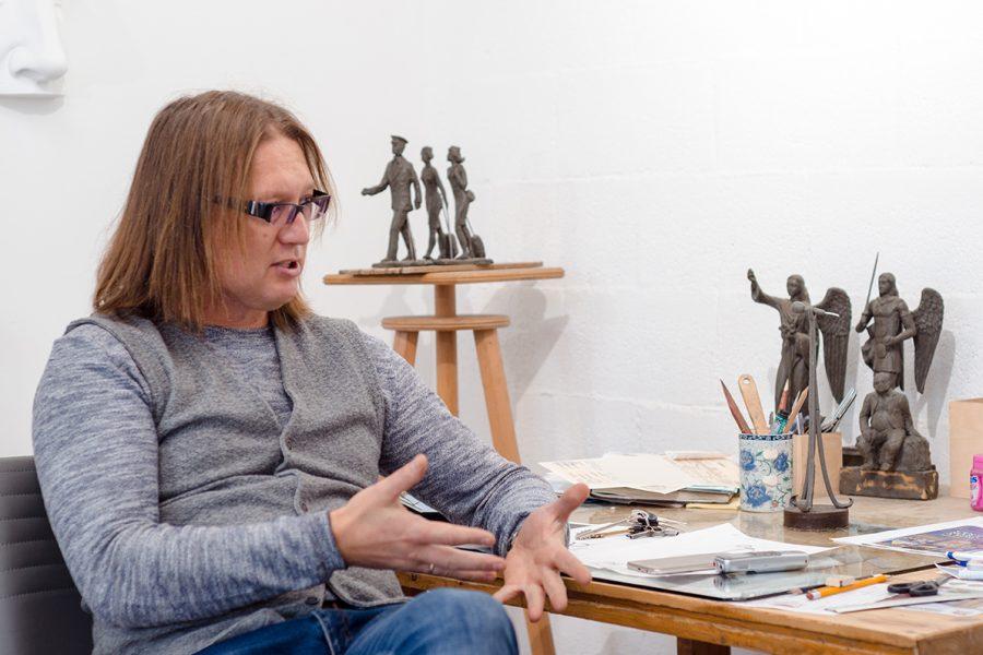 """Veaceslav Jiglițchi """"Nu există prea multe sculpturi urbane"""""""