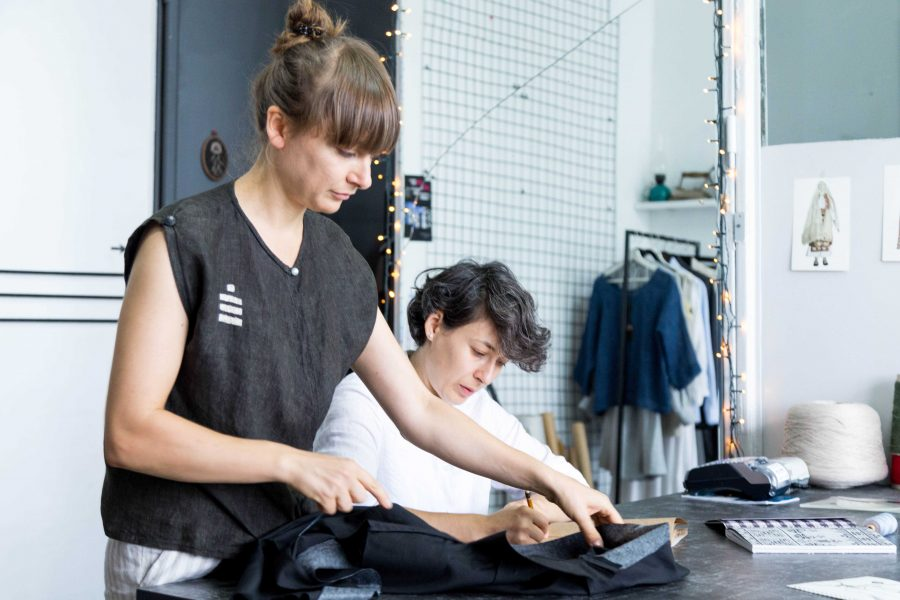 Echipa RAMURI despre armuri, slow fashion și cultul hainelor