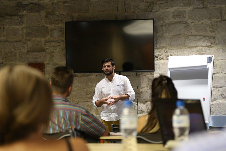 Maxim Calujac despre cele 4 etape ale proiectării și Artcor, la DCC School
