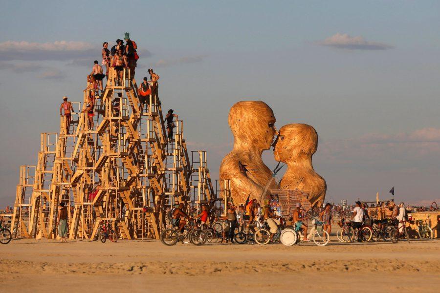 Burning Man 2019: nebunia creativă din deșert